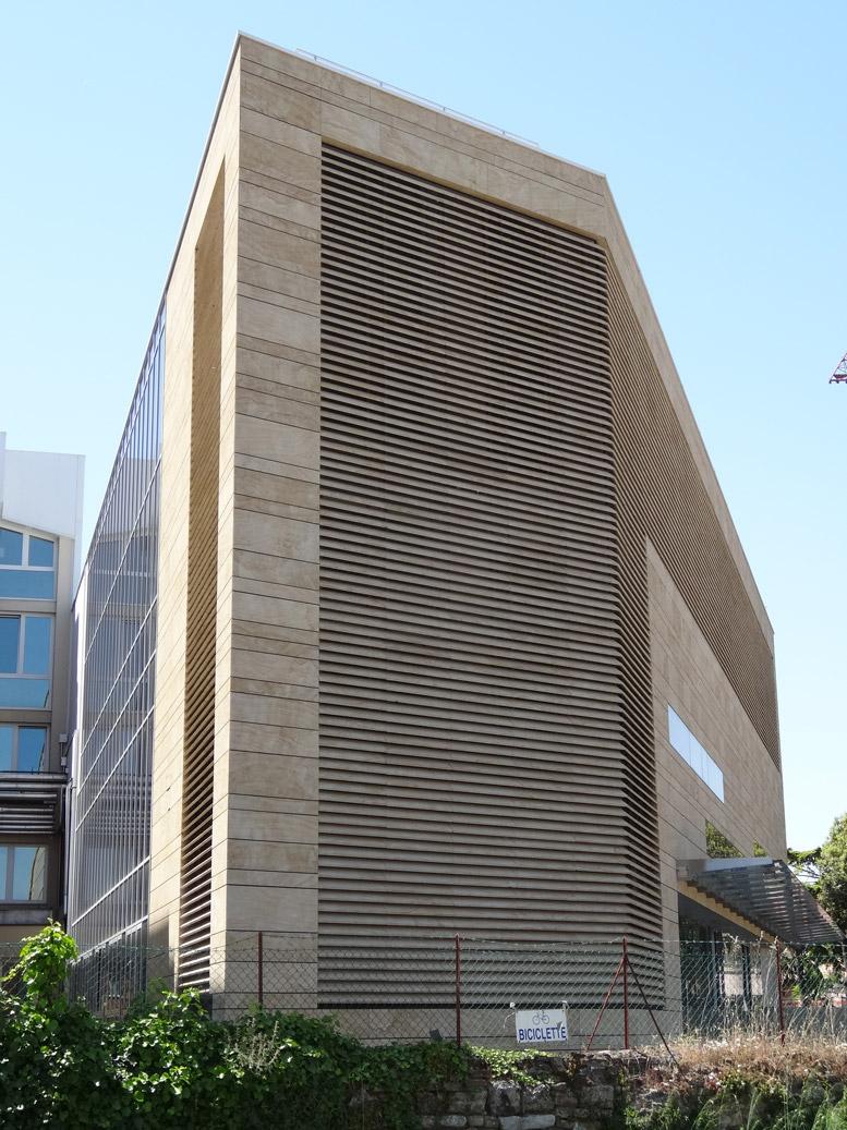casa di cura rimini involucri ventilati in marmo