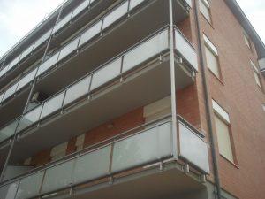 balaustre in vetro condominio sea infissii