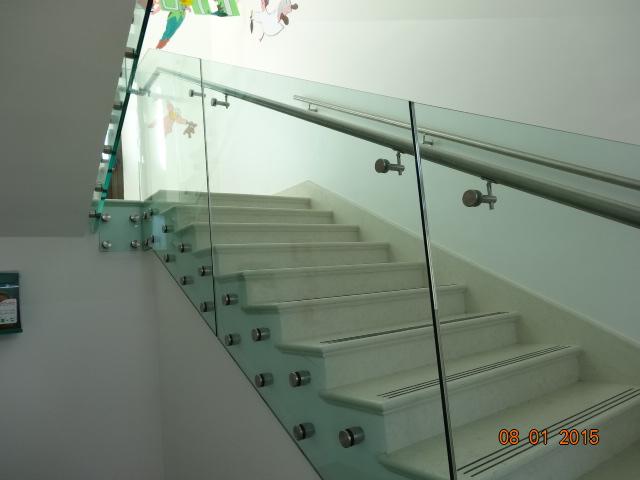 scuola elementare orciano balaustra vetro per scale